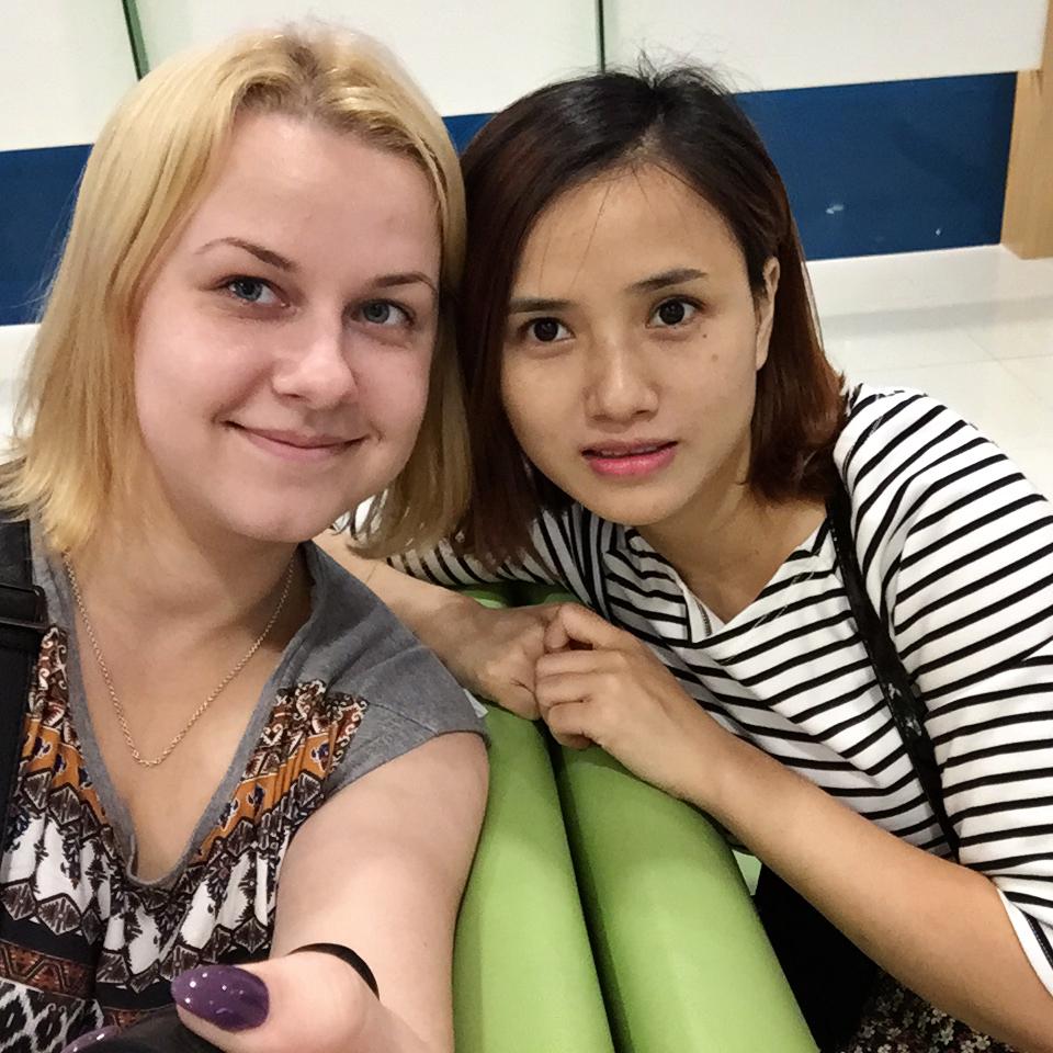 Abby tõi meile kingiks selfie-sticki, nii et me klõpsime Karelit oodates pilte :D