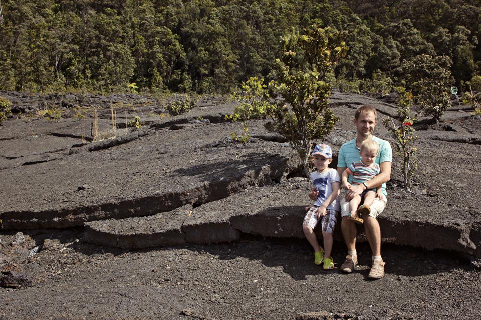 Ahjaa, Kren veel nuttis seal all olles ka pool aega, sest ta oli täiesti kindel, et kohe hakkab vulkaan purskama ja me jääme kõik laava alla. Lastega on nii tore reisida :D